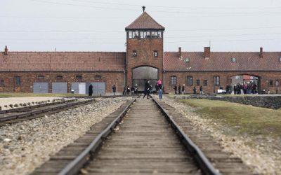 Déplacement des élu.e.s à Auschwitz-Birkenau : « Nous devons pouvoir continuer d'accompagner les lycéen.ne.s »