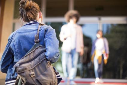 Rentrée scolaire 2018 – Loin de ses belles paroles, Pécresse renforce les inégalités.