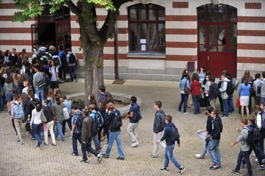 Rentrée scolaire 2019 – Des lycées franciliens sous les mauvais coups de Blanquer et Pécresse