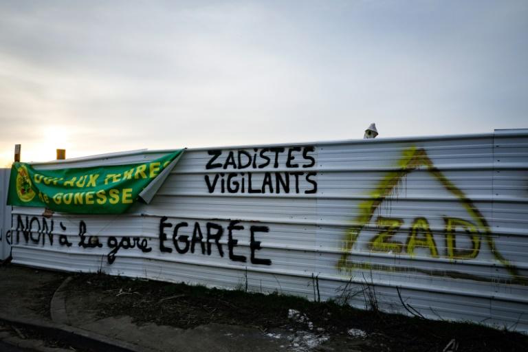 Évacuation de la ZAD du triangle de Gonesse : un débat démocratique sur l'avenir des terres agricoles est indispensable.